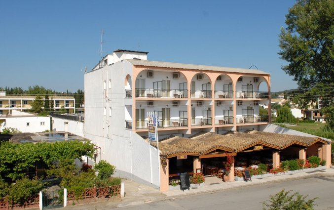 Gebouw van Hotel Popi Star op Corfu
