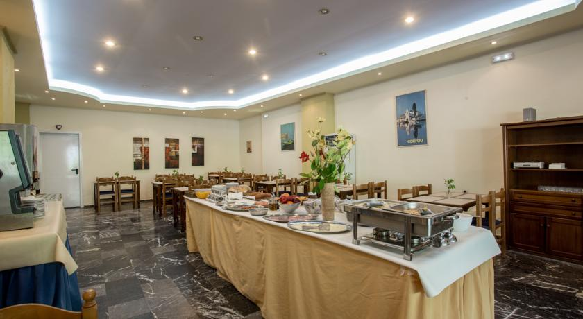 Ontbijtbuffet van Hotel Popi Star op Corfu