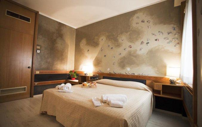 Tweepersoonsbed in kamer Hotel Diplomatic Turijn