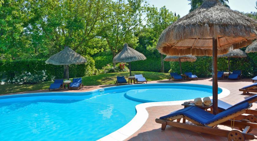 Zwembad van Hotel Calamidoro Toscane