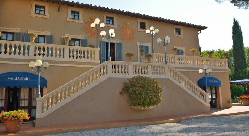 Buitenkant van Hotel Calamidoro Toscane