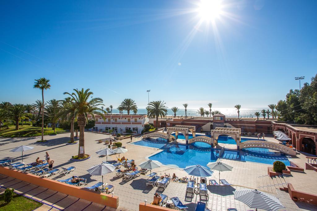 Tuin met buitenzwembad van Hotel Club Almoggar Garden Beach in Agadir