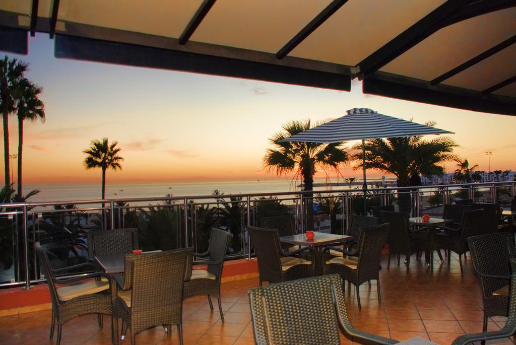 Zonsondergang op het terras van Hotel Club Almoggar Garden Beach in Agadir
