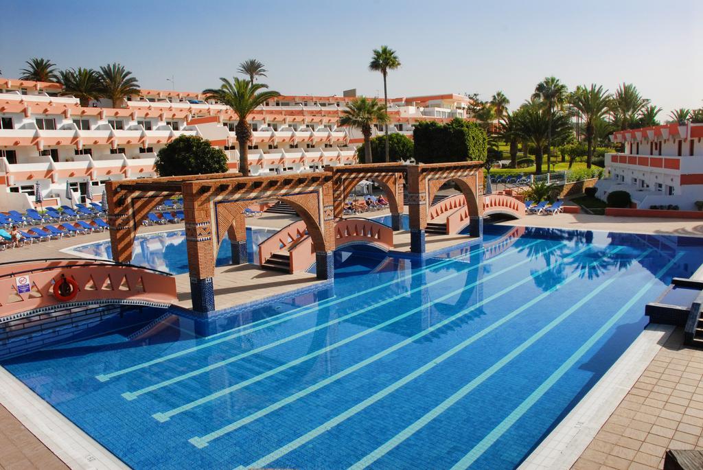 Buitenzwembad van Hotel Club Almoggar Garden Beach in Agadir