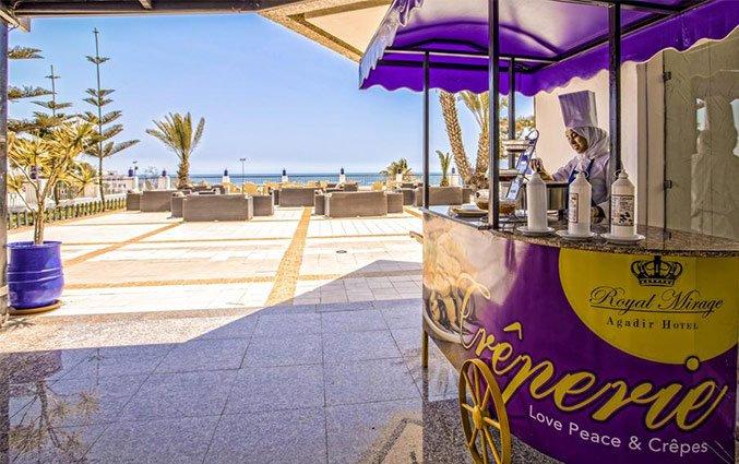 Bar op terras van Hotel Royal Mirage Agadir