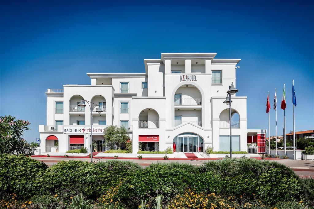 Buitenaanzicht van Hotel Jazz op Sardinië