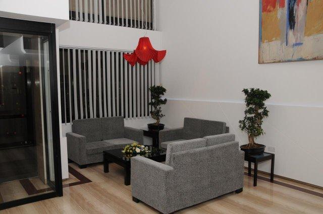 Zithoek in de lobby van Appartementen Atrium Zenon Larnaca Cyprus