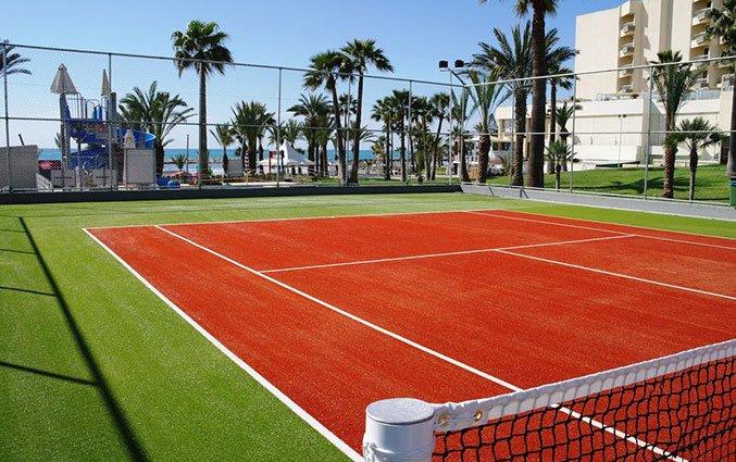 Tennisbaan van Hotel Golden Bay Beach in Larnaca - Cyprus