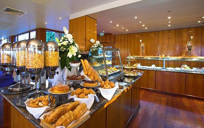 Ontbijtbuffet van Hotel Golden Bay Beach in Larnaca - Cyprus