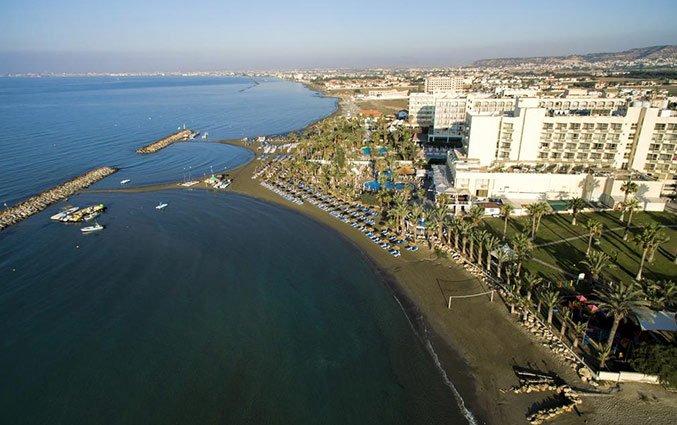 Bovenaanzicht van Hotel Golden Bay Beach in Larnaca - Cyprus