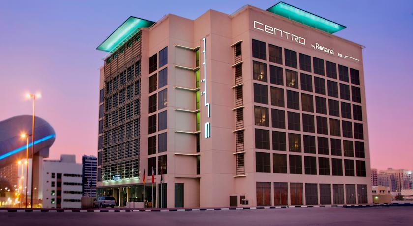 Gebouw van Hotel Centro Basrha in Dubai