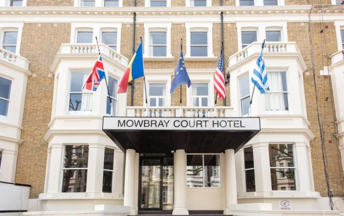 Entree van Hotel Mowbray Court in Londen
