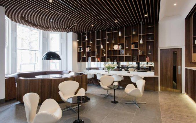 Bar van Hotel Mowbray Court in Londen