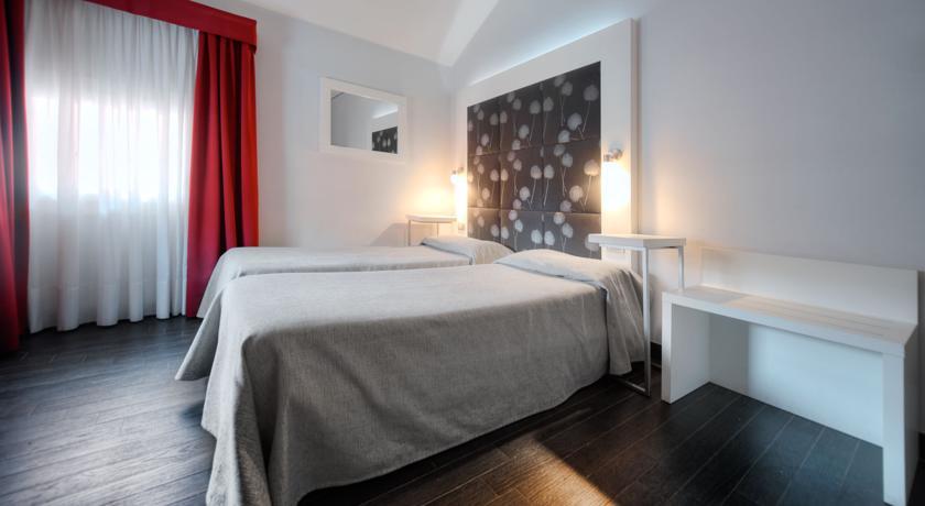 Tweepersoonskamer met twee aparte bedden hotel Aaron stedentrip Venetië