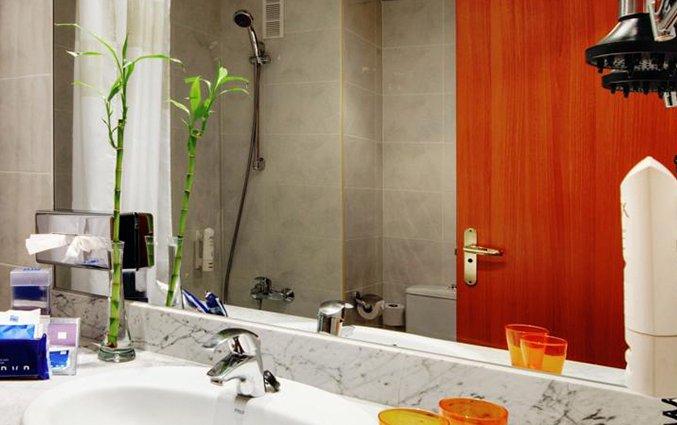 Badkamer van hotel Sevilla Macarena in Sevilla