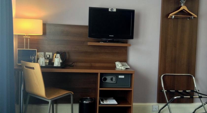 Tweepersoonskamer van Hotel Piries in Edinburgh