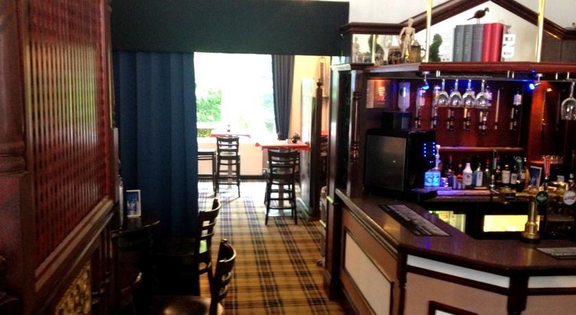 Bar van Hotel Piries in Edinburgh