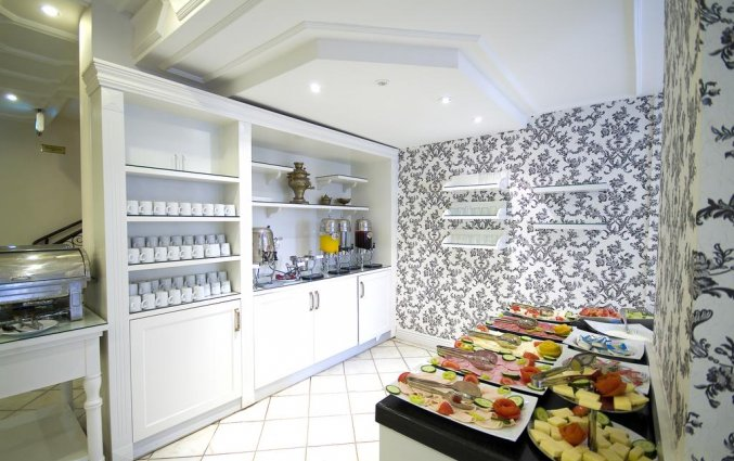 Ontbijtbuffet van Hotel Avicenna in Istanbul