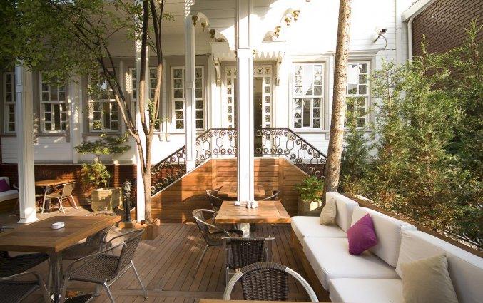 Terras van Hotel Avicenna in Istanbul