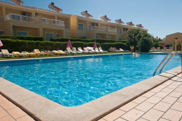 Buitenzwembad Appartementen Villas Barrocal Algarve
