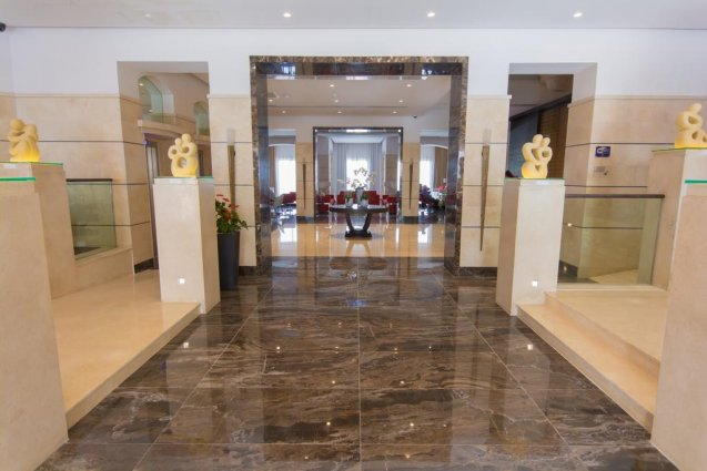 Entree van Hotel en Spa Maritim Antonine op Malta