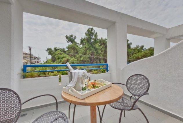 Balkon van een tweepersoonskamer van Hotel en Spa Secret Paradise op Chalkidiki