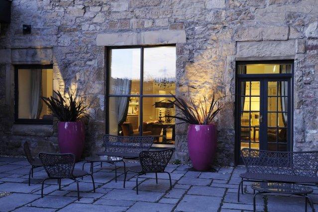 Ingang van Hotel Brooks in Edinburgh
