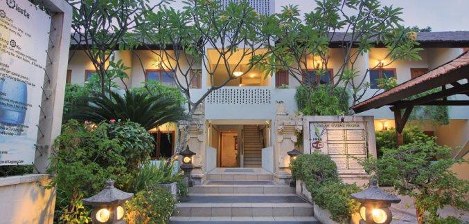 Entree van Hotel Kuta Lagoon Resort op Bali