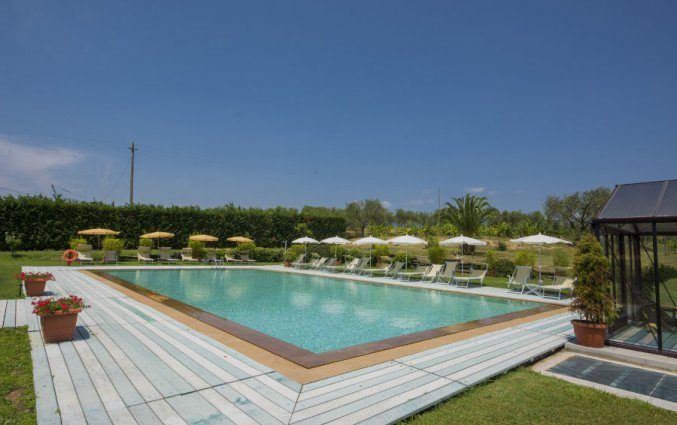Zwembad van Hotel Agriturismo Corte Benedetto in Toscane