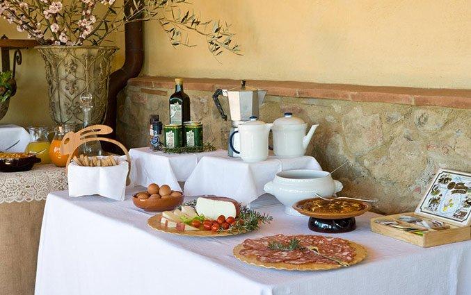 Buffet van Bed and breakfast Poderi Arcangelo in Toscane