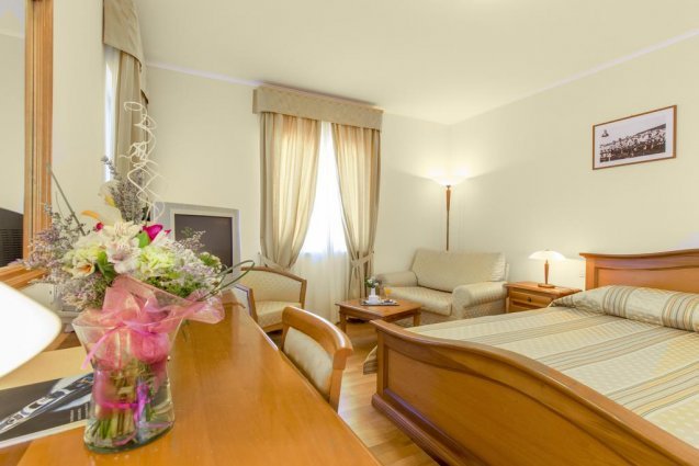 Tweepersoonskamer van Hotel Spongiola in Dalmatië