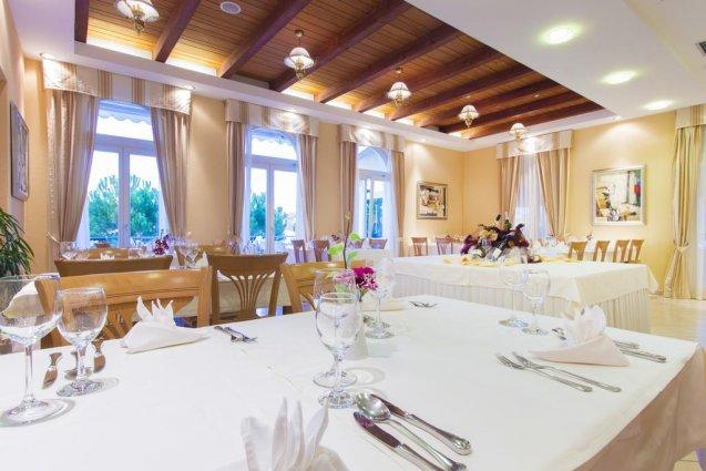 Eetzaal van Hotel Spongiola in Dalmatië