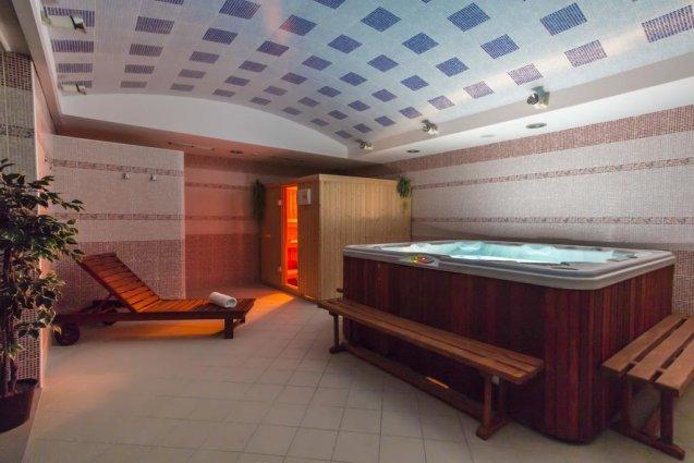 Sauna met jacuzzi van Hotel Spongiola in Dalmatië