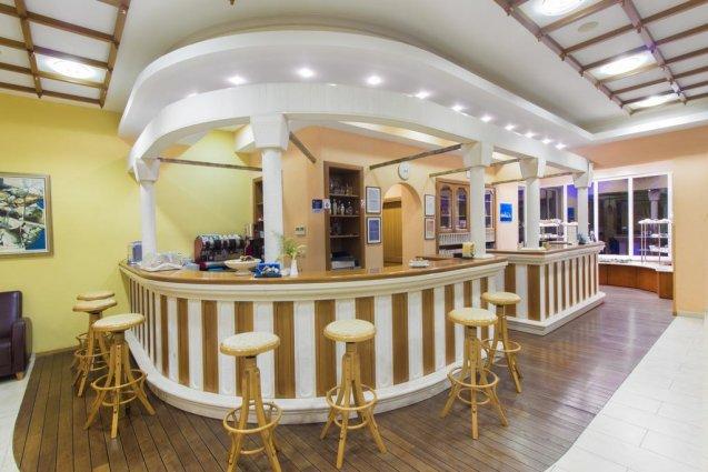 Bar van Hotel Spongiola in Dalmatië