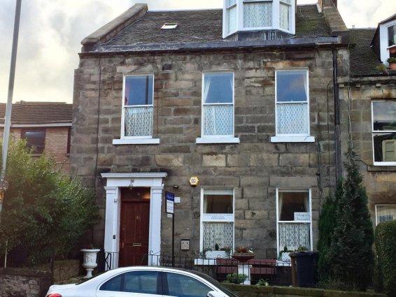 Vooraanzicht van Guest House Pilrig in Edinburgh