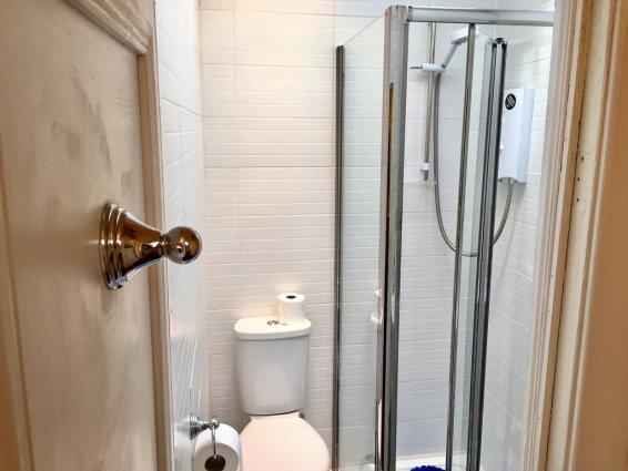 Badkamer van een tweepersoonskamer van Guest House Pilrig in Edinburgh