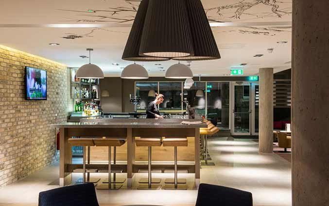 Bar van hotel Ibis Centre South Bridge in Edinbugh