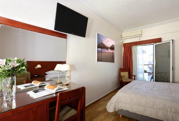 Tweepersoonskamer van Hotel Attalos in Athene