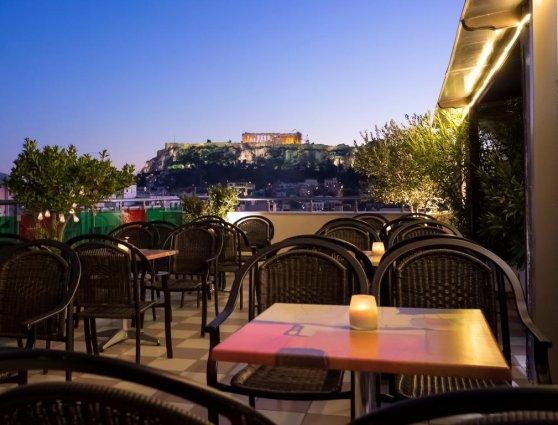 Dakterras van Hotel Attalos in Athene