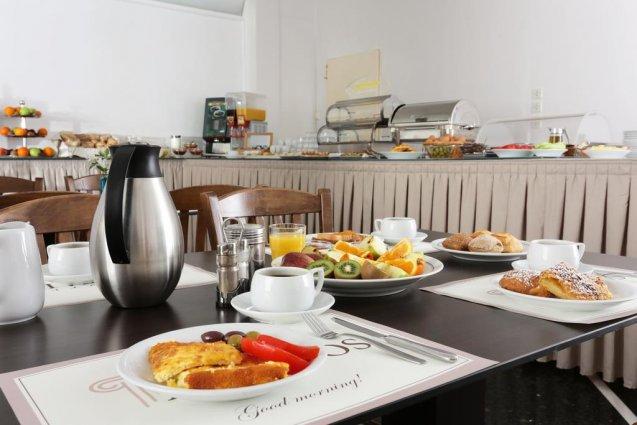 Ontbijtbuffet van Hotel Attalos in Athene
