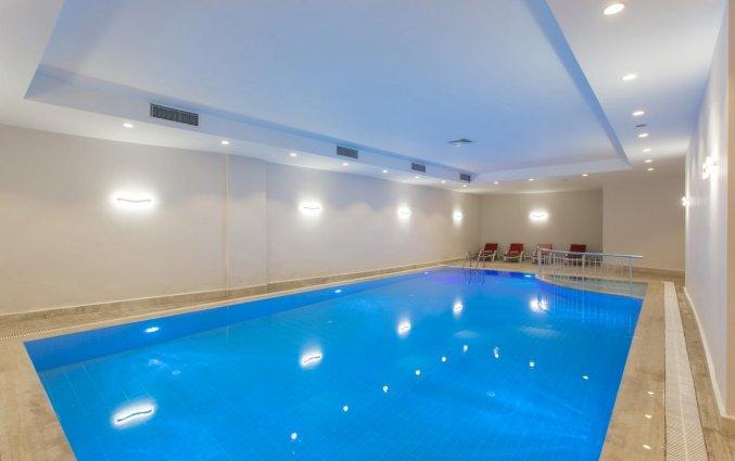 Binnenzwembad van Hotel Club Falcon in Antalya