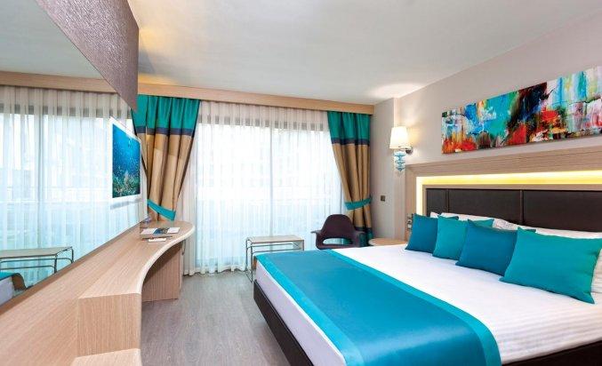 Slaapkamer van Hotel Club Falcon in Antalya