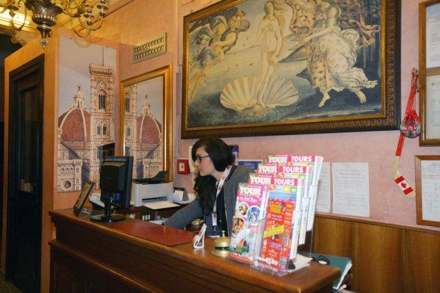 Receptie van Hotel Desiree in Florence