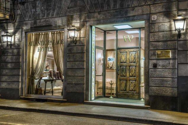 Vooraanzicht van Hotel Atlantic Palace in Florence