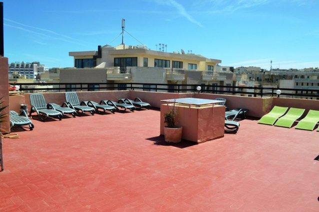 Dakterras van Relax Inn Malta