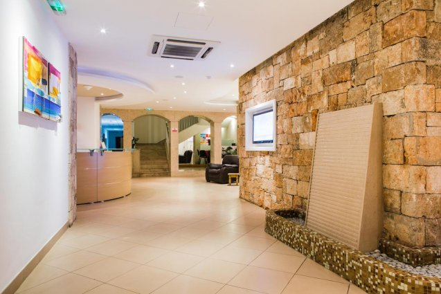 Lobby van Sunny Coast Resort in Malta