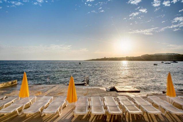 Privéstrand van Sunny Coast Resort in Malta