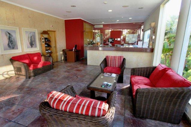 De receptie met lobby van Hotel Clube Mos Algarve