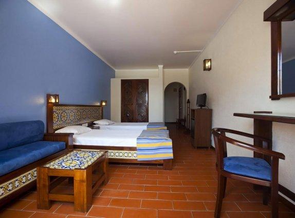 Slaapkamer van hotel Casablanca Inn inAlgarve