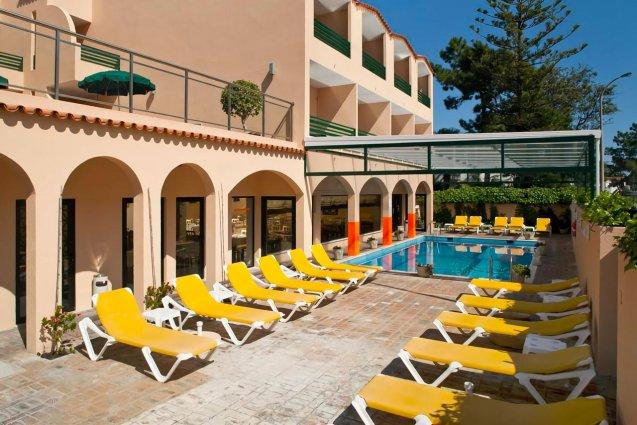 Zwembad van hotel Casablanca Inn inAlgarve